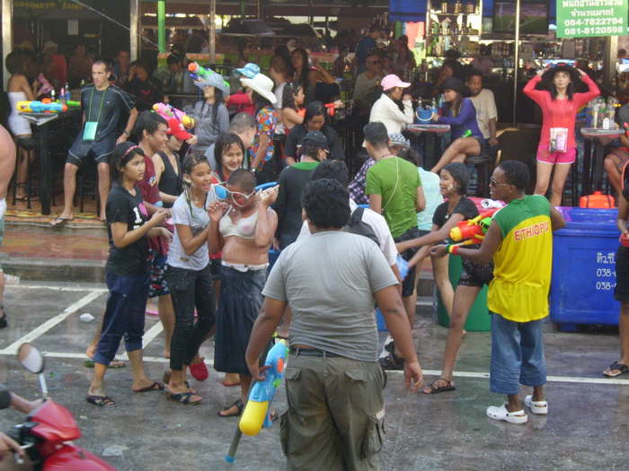 Pattaya Songkran an der Beachroad